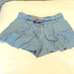 Parker pleated bow tie chambray shorts size 2